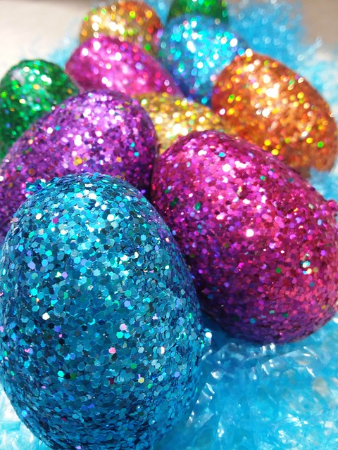 egg coloring (1)