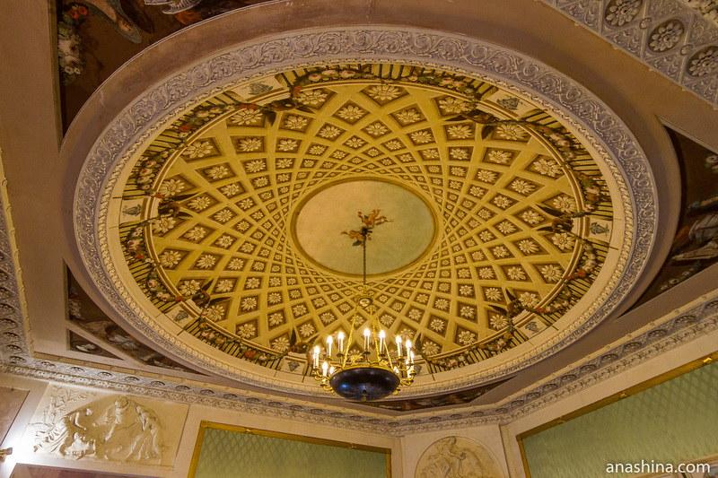 Потолок в Парадной гостиной, усадьба Золотарева, Калуга