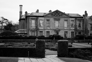20180322-08b_b+w_Coombe Abbey Country Park - Knot Garden & Abbey Hotel