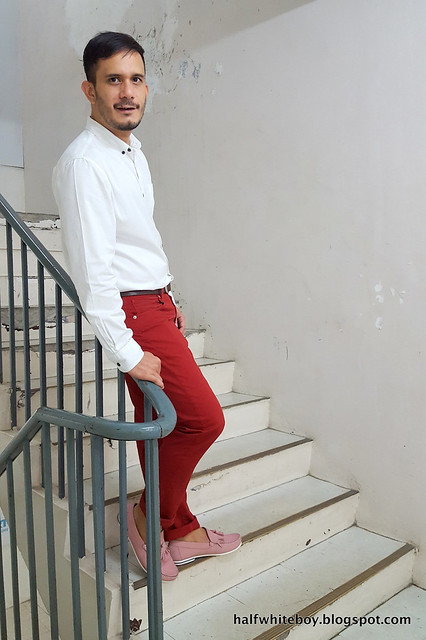 halfwhiteboy - colored pants and pink shoes 02