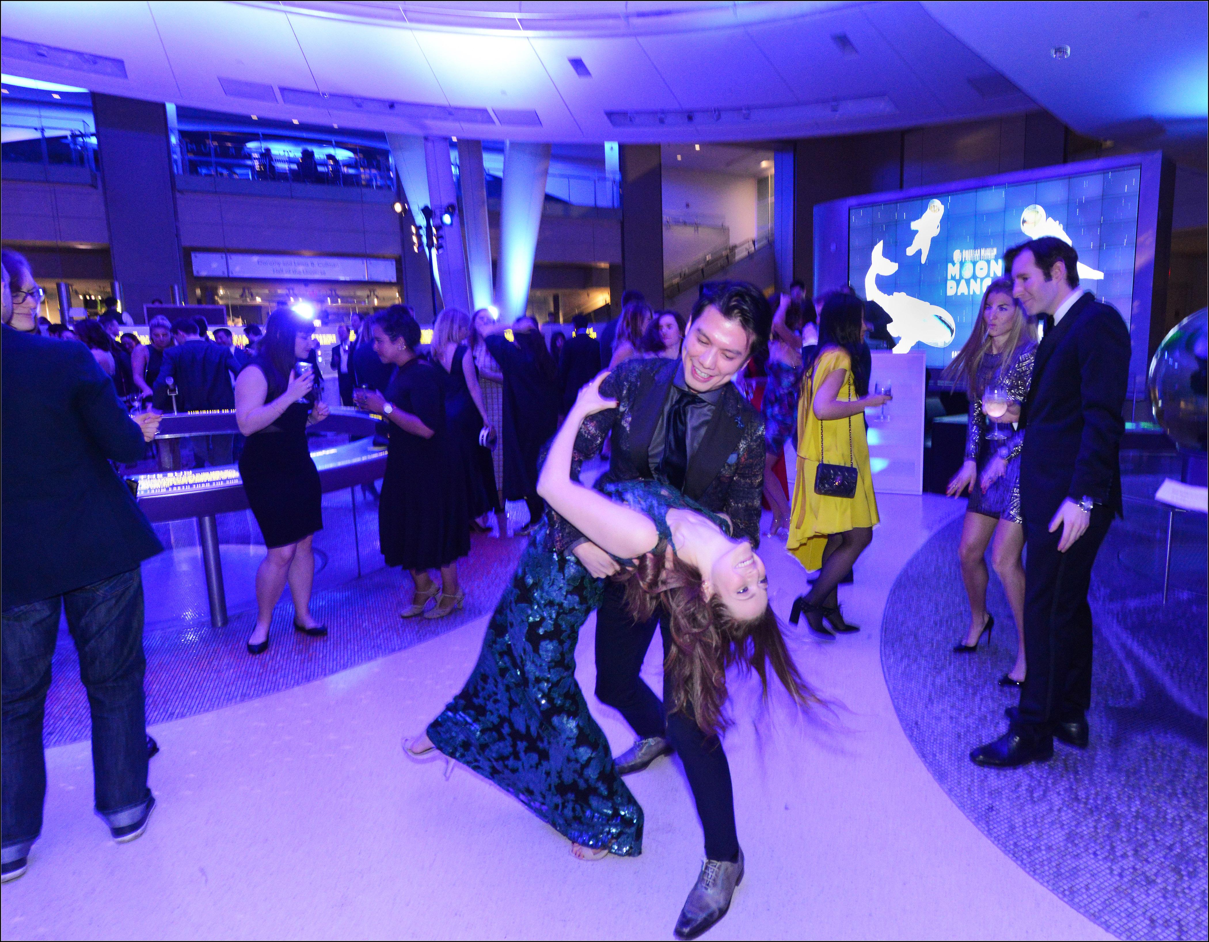 5320-Dancing_RM