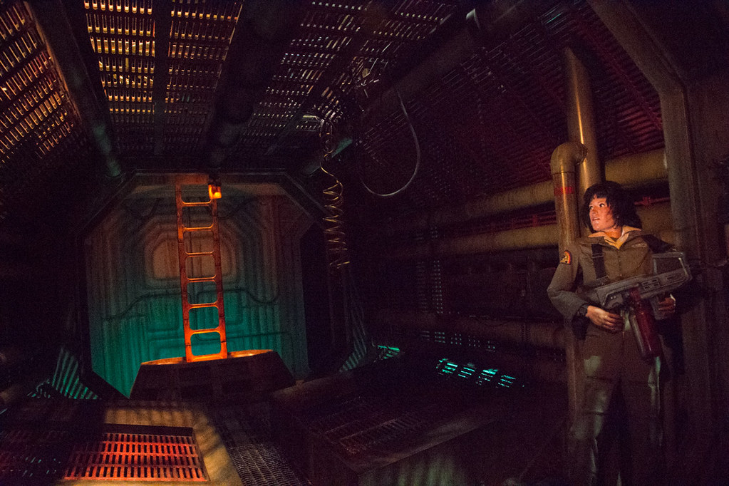 Alien display on Great American Movie Ride