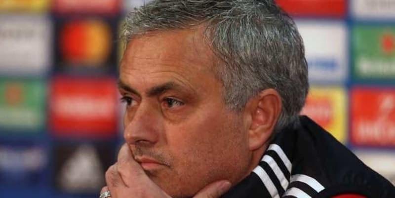 Manchester United Akan Pecat Jose Mourinho Jika Tidak Juara Piala FA