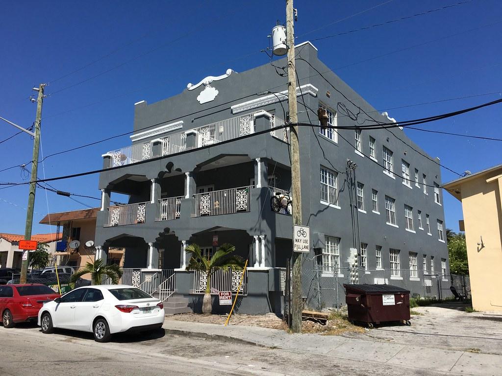 Hotels Near Little Havana