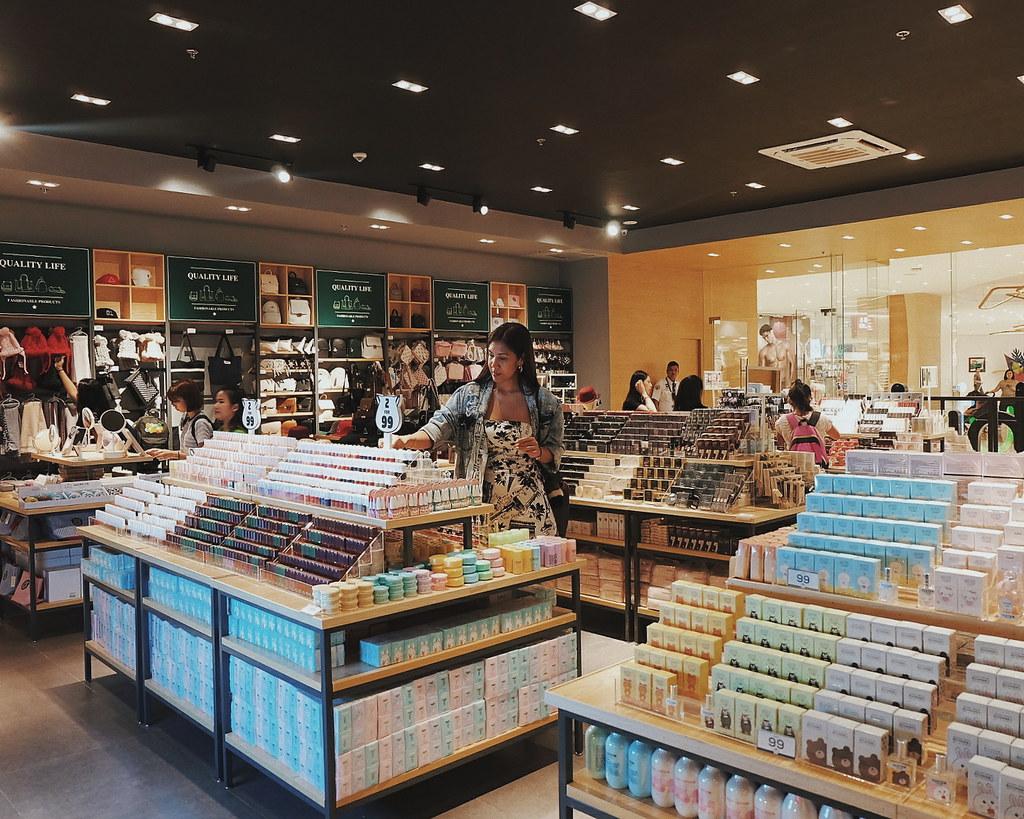 ilahui philippines uptown mall bgc