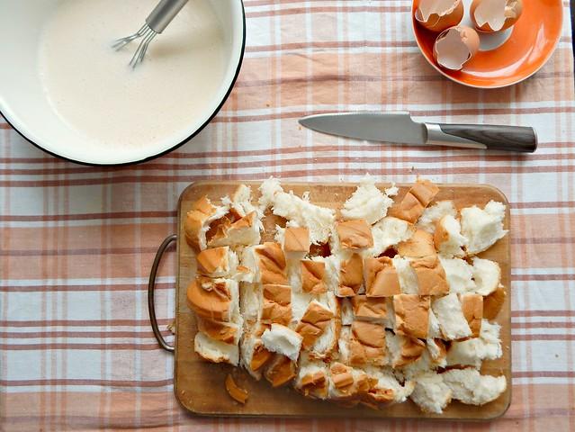 шарлотка-хлеб-порезан