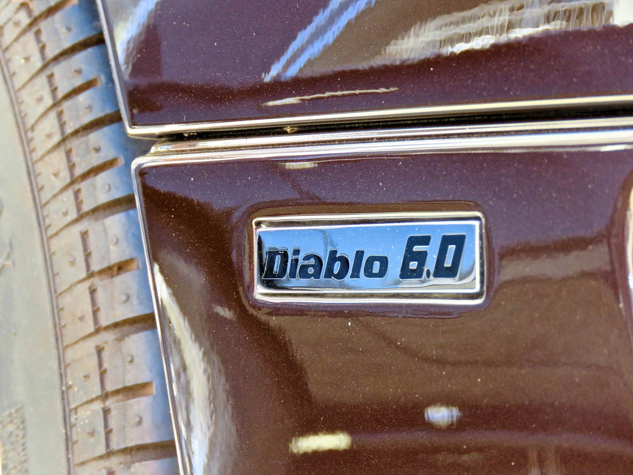 Brown Lamborghini Diablo 6.0 Amelia RM 12