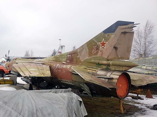 0390207525 74 white MiG-23 Riga-Skulte 10-3-18