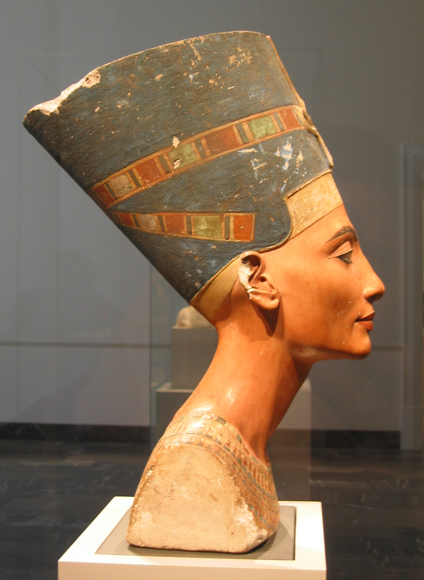 Right profile of the Nefertiti bust in the Neues Museum, Berlin. Photo taken on December 28, 2005.