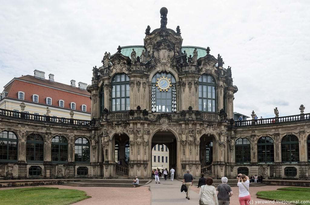 Цвингер ака Дрезденская галерея