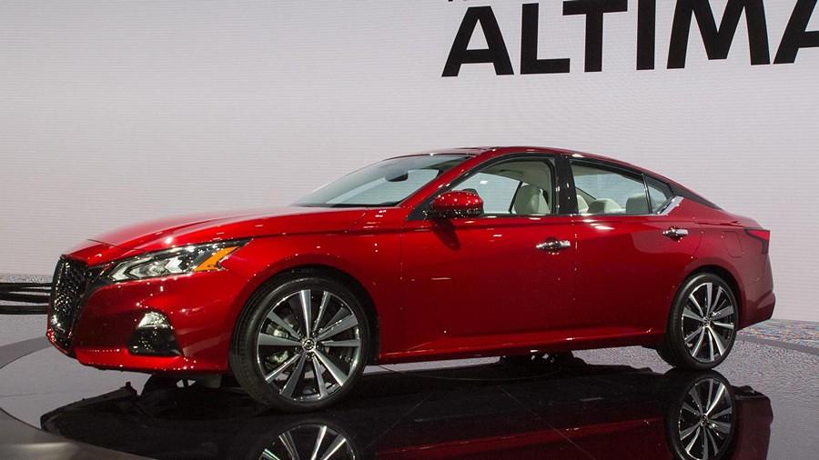Nissan Altima-1