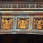 Der Türbogen des Eingangsportals