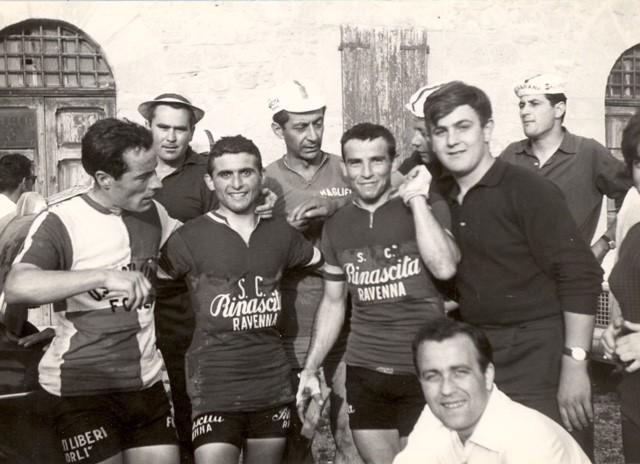 S.C Rinascita Ravenna 1962 con Savigni Elvio e Sambi Luciano - foto gentilmente inviata dal figlio Andrea