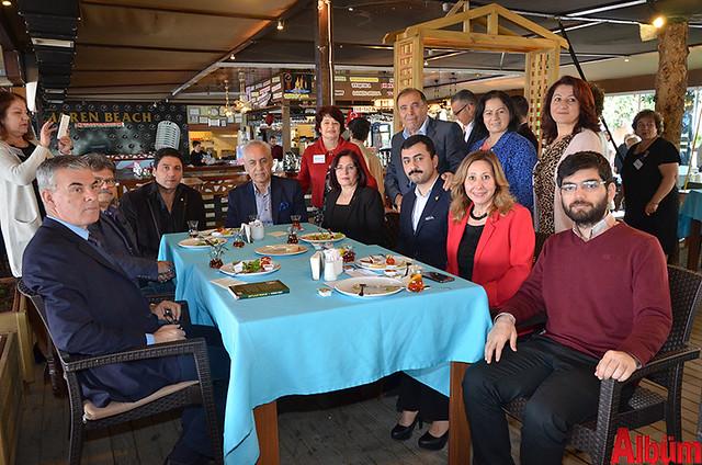 CHP Alanya İlçe Başkanı Ali Takavut, CHP Kadın Kolları İl Başkanı Nilüfer Deveci, CHP İstanbul Milletvekili Eren Erdem ve Yönetim Kurulu Üyeleri