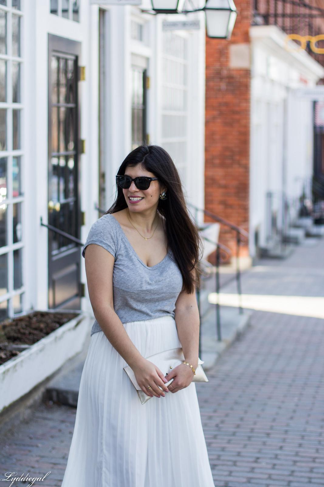 white pleated midi skirt, grey tee, nude heels, scalloped clutch-12.jpg