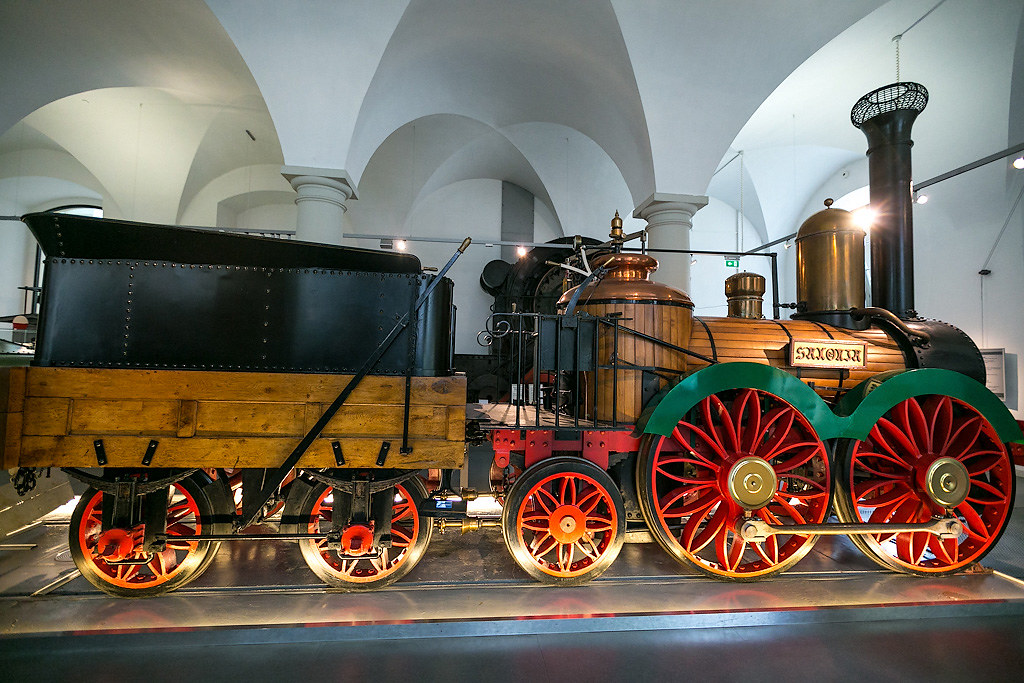 Locomotives and airplanes in the Dresden Transport Museum