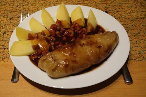 Kohlrouladen mit Specksoße und Salzkartoffeln (2. Tag)