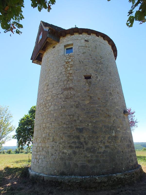 Soulomès - Ancien Moulin à vent (bourg)