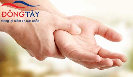 Run tay có thể là bệnh hoặc triệu chứng của nhiều bệnh khác nhau