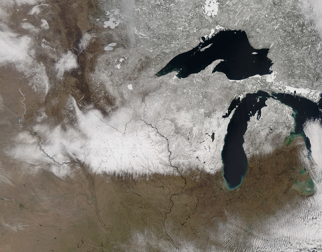 Spring snow across the upper midwest United States