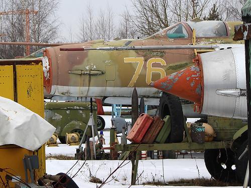 (50027071) 76 yellow MiG-21 Riga-Skulte 10-03-18