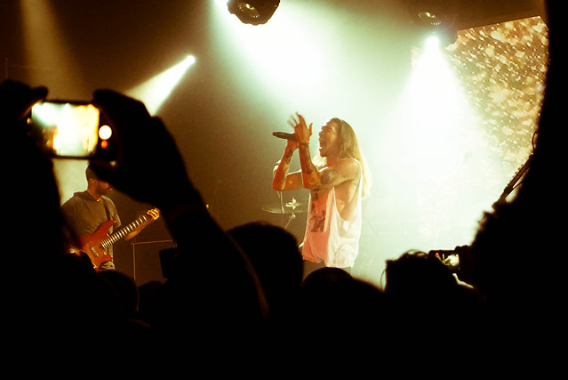Incubus live in Hawaii