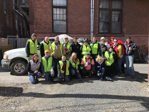 03-17-18 Neighborhood Cleanup in South Troy