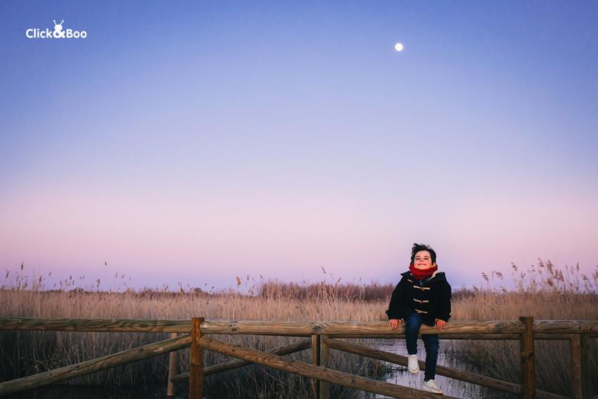 El niño y la luna