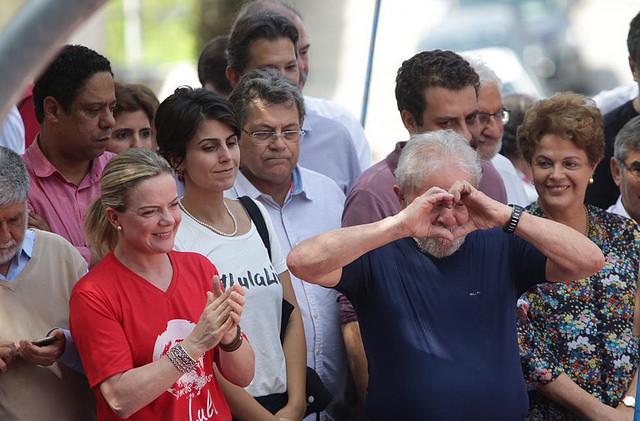 Antes de presentarse ante la Justicia, Lula discursó a miles de apoyadores en el Sindicato de Matalúrgicos del ABC - Créditos: Paulo Pinto/Fotos Públicas