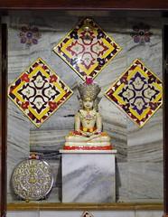 Jain temple deity