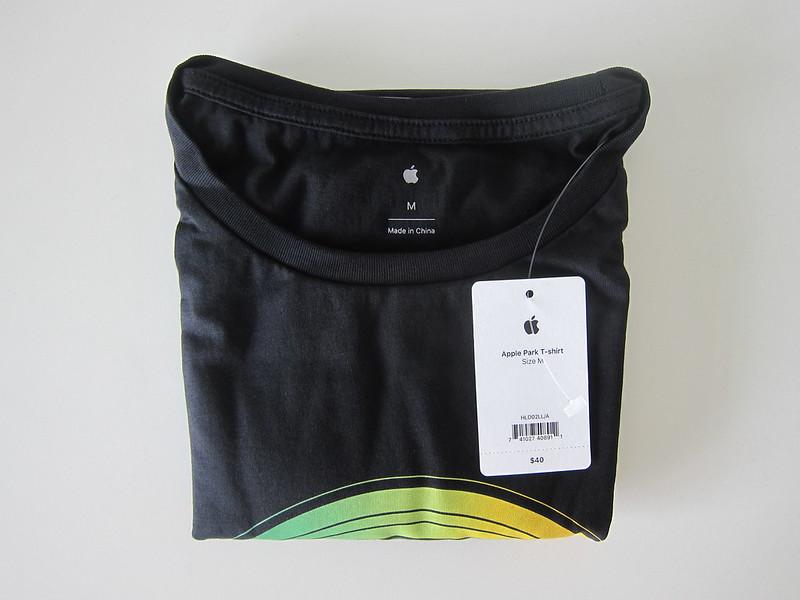 Apple Park T-Shirts - Black - Folded
