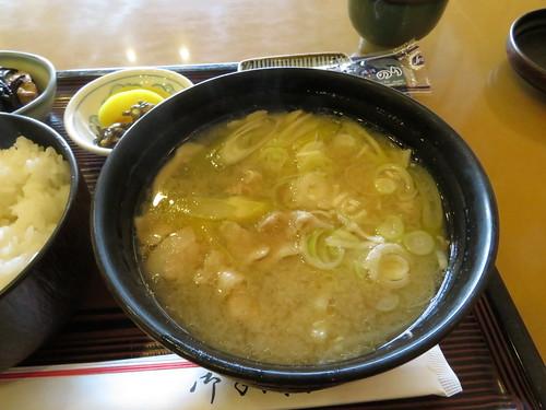 福島競馬場の赤井の豚汁定食