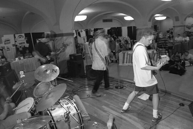 Header of independent music
