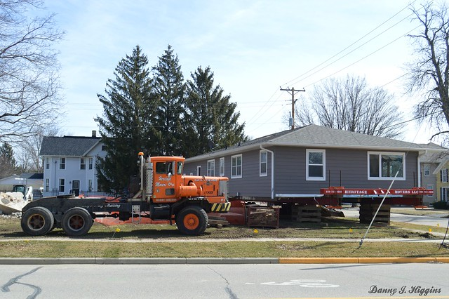 A House Getting Ready To Be Moved.   Belleville, Wisconsin.     DSC_0692
