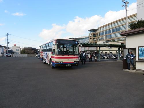 福島競馬場の南口前から出ている福島駅東口行き臨時バス