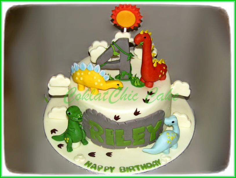 Cake Dinosaurus Riley 15 cm