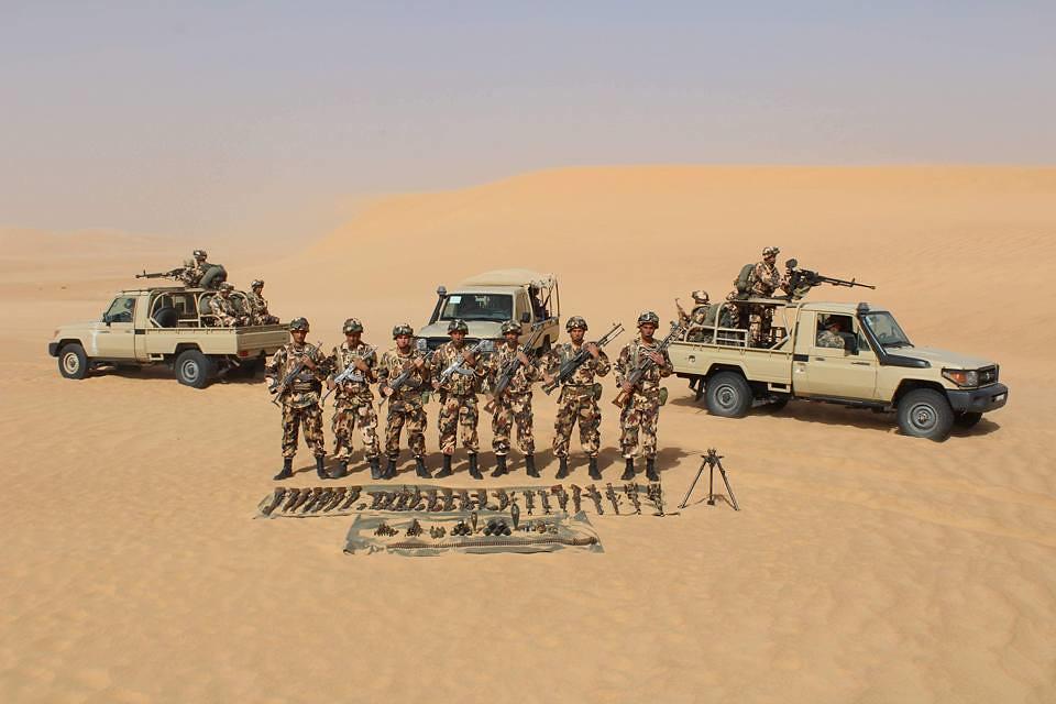 موسوعة الصور الرائعة للقوات الخاصة الجزائرية - صفحة 63 40176023905_bc11d817ff_b