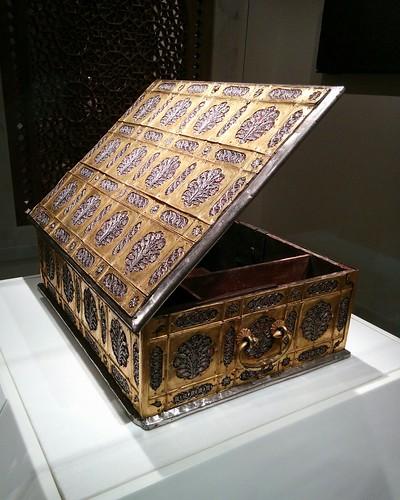 Box open #newyorkcity #newyork #manhattan #metmuseum #latergram