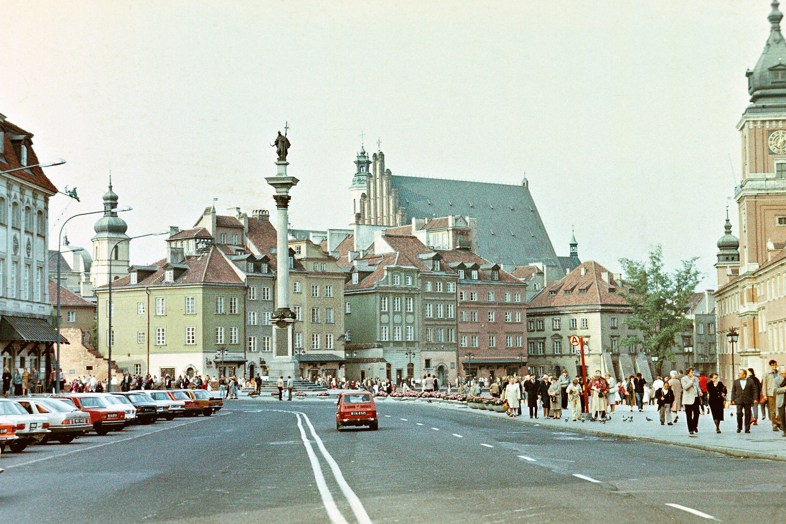 1985 год. Варшава. Старый город. Замковая площадь.