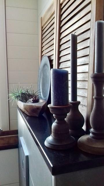 Luik, houten kandelaars