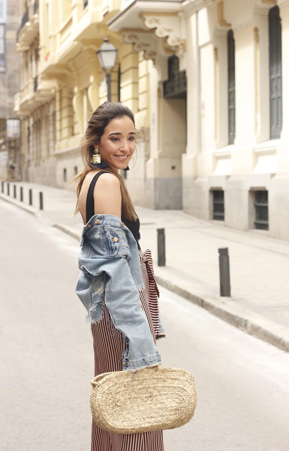 striped palazzo trousers uterqüe zara bodysuit denim jacket spring outfit 201813