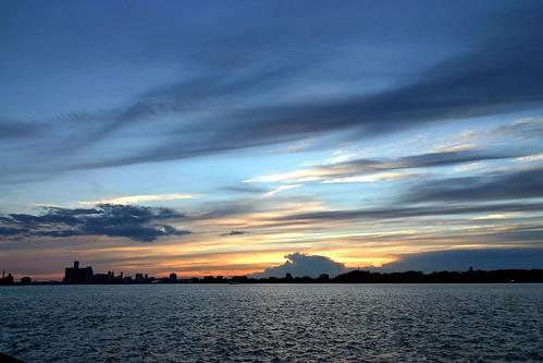 sunset ontario canada canon wow interestingness 300d detroit sigma windsor magichour detroitriver sigma18200dc