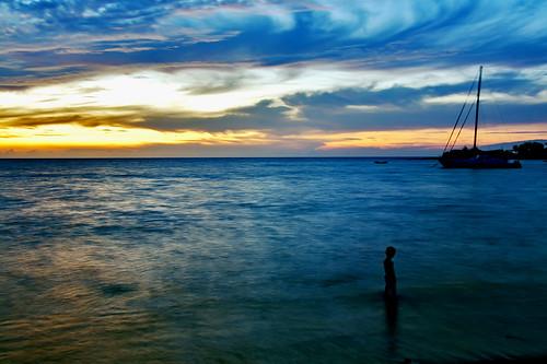 sunset silhouette hawaii explore micah waikoloa abay anaehoomalubay comedytwins