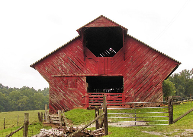 Odd Shaped Barn Flickr Photo Sharing