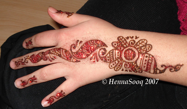Henna Party Mehndi Red Cone : Henna party mehndi red cone makedes