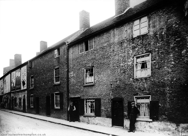Old Bell Street circa 1900. The former Hollow Lane.