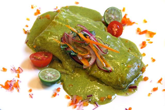 Merluza Negra en Salsa de Cilantro y Huacatay (1)