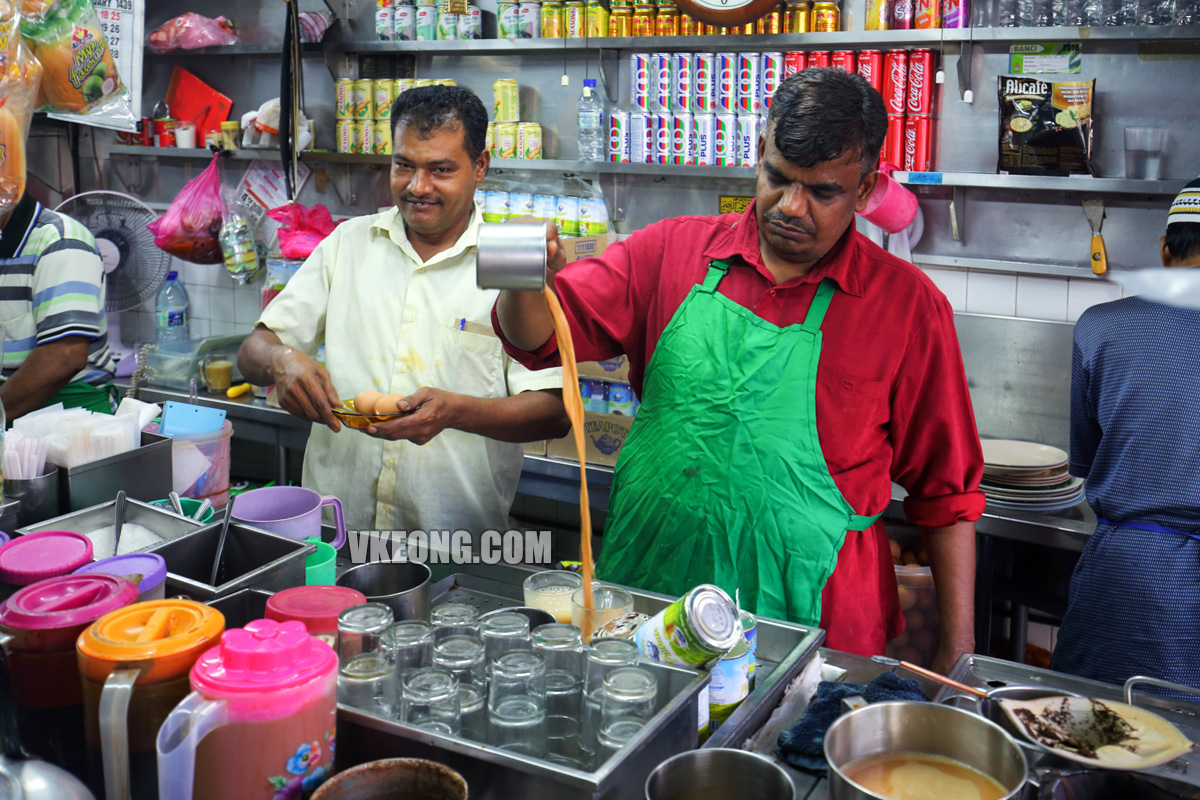 Selangor-Mantion-Tea-Stall-Making-Teh-Tarik