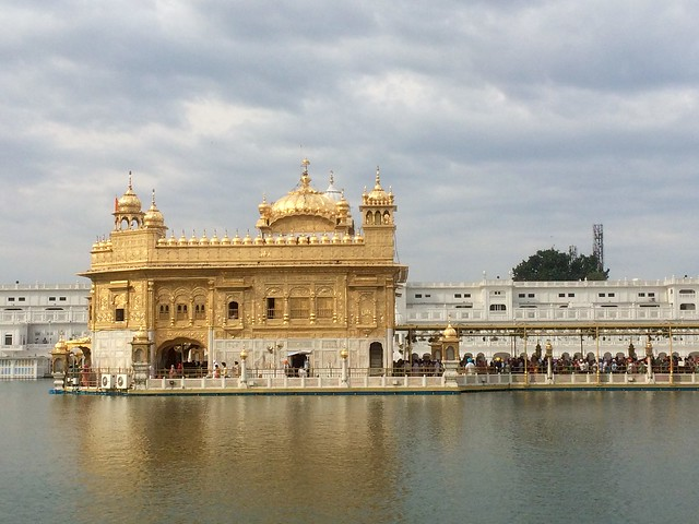 The golden temple, Apple iPhone 5s, iPhone 5s back camera 4.15mm f/2.2