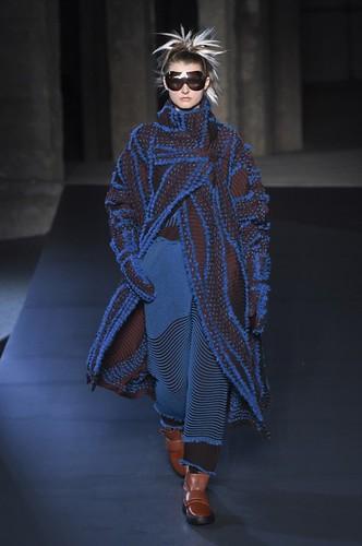 Issey Miyake Womenswear Fall/Winter 2018/2019 26